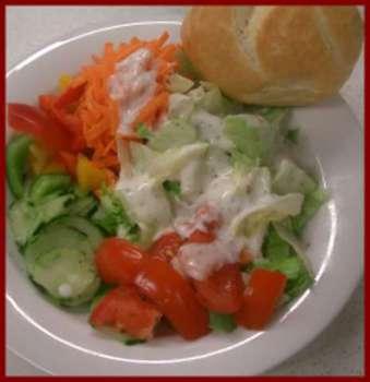 Salatteller mit Essigdressing
