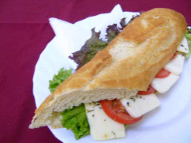 Baguette mit Tomate-Mozzarella