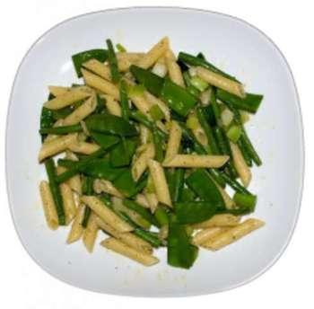 Rigatoni mit Gemüse  und Käse überbacken