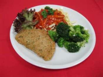 Schnitzel mit Gouda, Vegetarisch, Hollandaise, Broccoligemüse, Salzkartoffeln