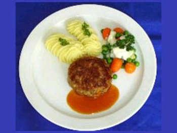 Fleischküchel mit Kartoffelpüree
