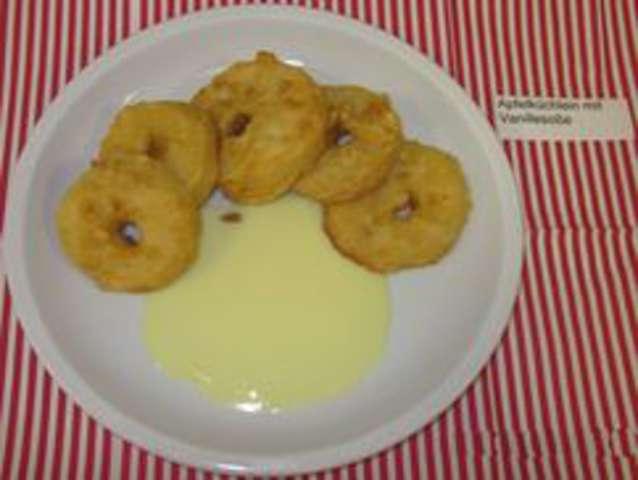 Apfelküchlein mit Vanillesoße