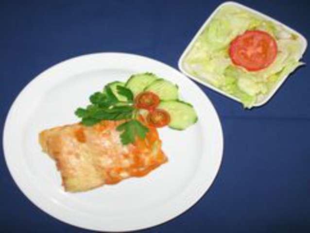 Überbackene Cannelloni und  Salat
