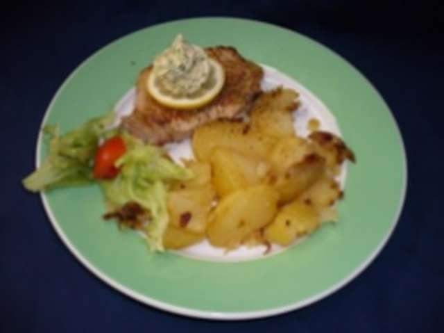 Steak (Schwein) in Zwiebelsoße und Kartoffelpüree