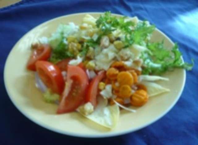 Salatteller mit Schinken + Käse