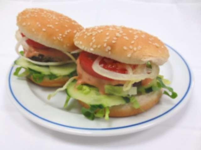 Hamburger zum selber belegen mit Sesamsemmel