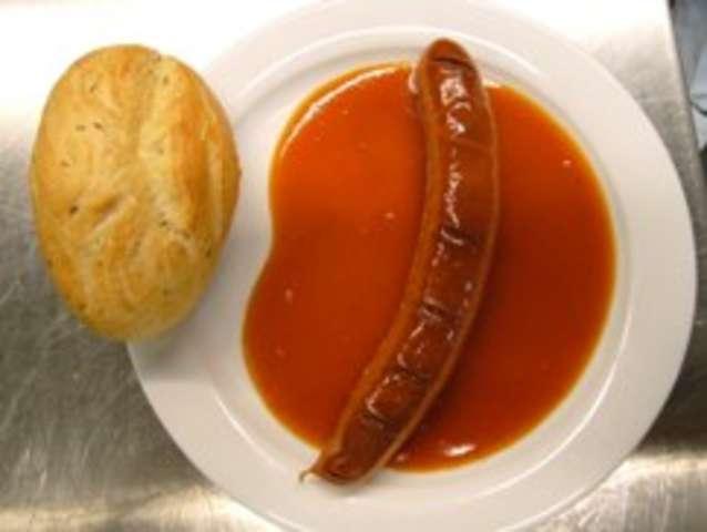 Currywurst  mit Kaisersemmel