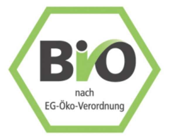 BIO-Pomodore vegetarisch dazu BIO-Butternudeln und Eissalat mit Hausdressing