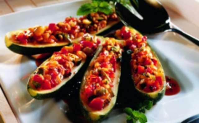 Zucchini  mit Ratatouille  und Tomatenreis