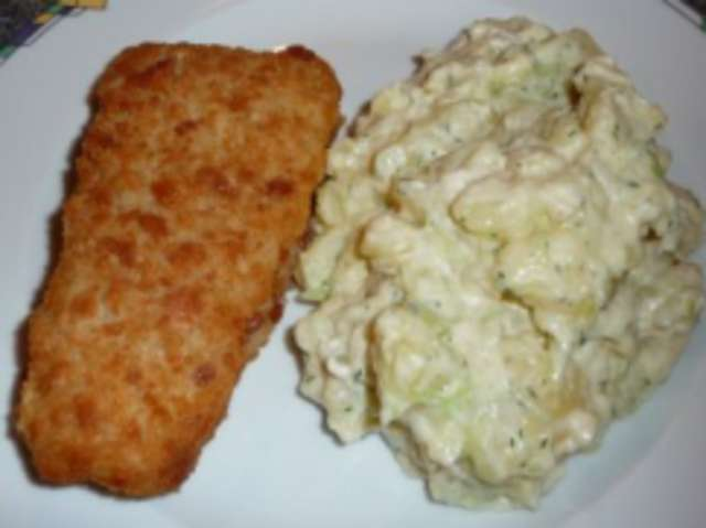 Backfisch mit Kartoffel Gurkensalat
