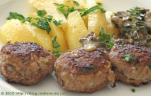 Fleischküchle mit Kartoffeln
