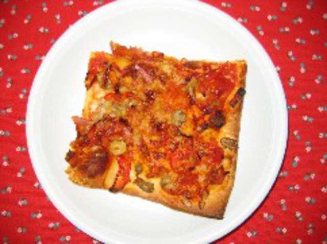 Pizza (Schinken & Salami)