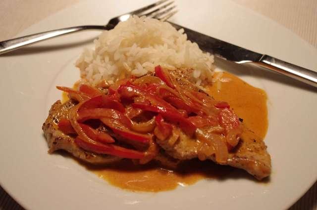 Paprikaschnitzel mit Reis