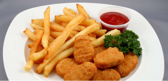 Chicken - Nuggets mit Pommes