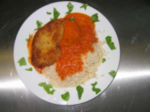 Paprika-Rahmschnitzel mit Reis