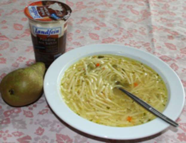 Nudelsuppe - Joghurt - Obst