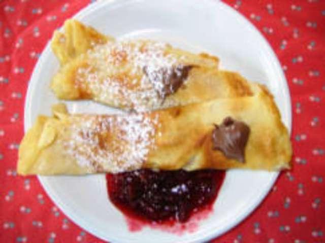 Pfannkuchen mit Konfitüre und Nachtisch