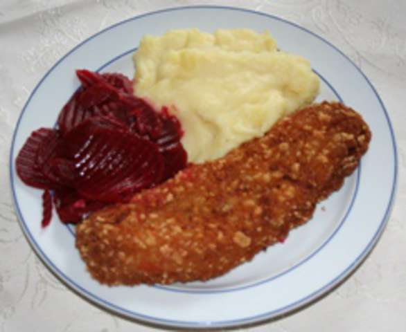 Seelachs mit Kartofflelpüree und Karottensalat