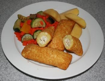 Kartoffeltaschen und Salat