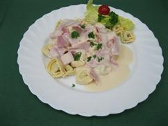Tortellini mit, Schinken-Sahnesauce (Schwein)