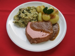 Fleischkäse (Schwein), Rahmwirsing und, Kartoffelbratlinge