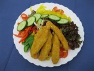 Salatteller mit Chicken Frites