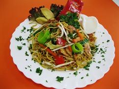Vegetarische Asiapfanne , Salat, Beilage, Dressing-Knofi