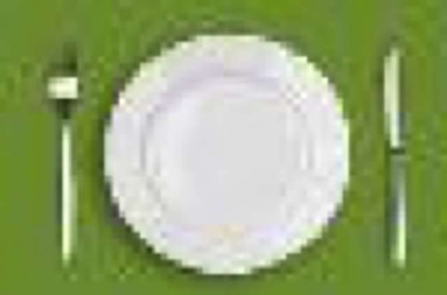 Schweinegeschnetzeltes in Champignonrahmsauce, Langkornreis und Blattsalat