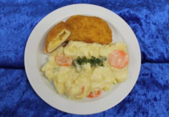 Quark-Gouda-Tasche mit Bechamel-Gemüse-Kartoffeln