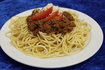 Spaghetti mit Rinderbolognese