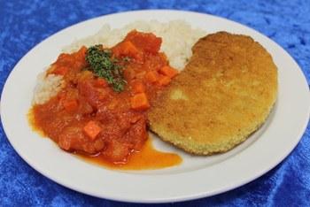 Sellerie-Knusper-Schnitzel mit Tomatenragout und Reis