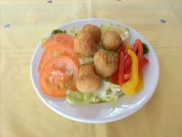 Salat mit Champignonköpfe