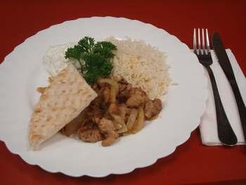 Gyros mit Reis und Quarkdip