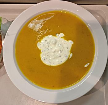 Gemüsesuppe mit Riccotta