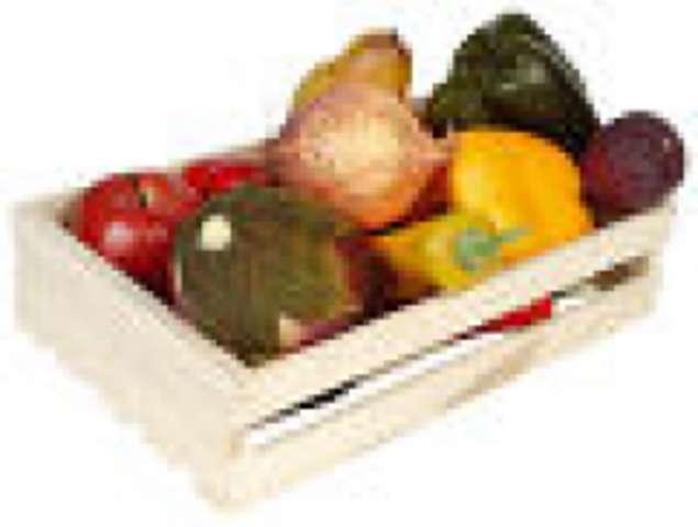 Gemüseküchle mit Tomate und Käse überbacken dazu Kartoffelpüree, Salat, und Dessert