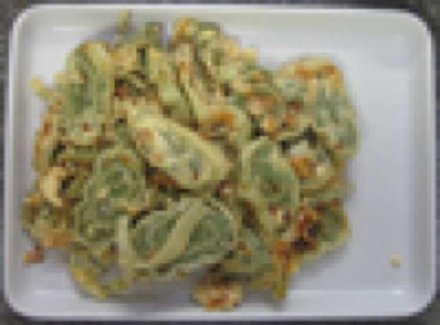 Maultaschen geröstet mit Ei, Kartoffelsalat, kleiner Salat und Dessert