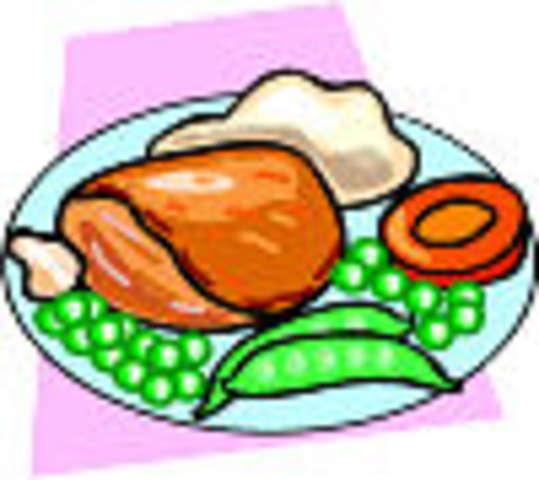 Hähnchenkeule aus dem Backofen mit Pommes, kleiner Salat und Dessert