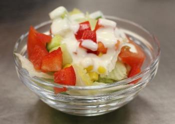 Salattheke kleiner Beilagensalat