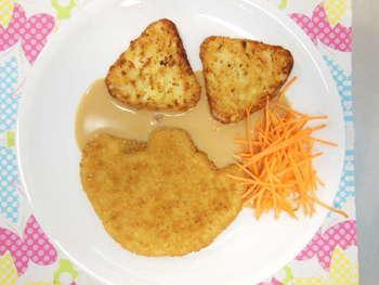 Putenschnitzel , Rösti-Ecken , Rahmsoße