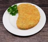Gemüseschnitzel dazu Salzkartoffeln und Paprika Rahm Sauce