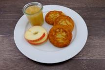 Reibekuchen mit Apfelmus