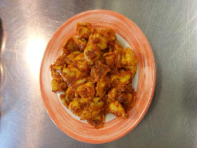 Tortellini 'Ricotta spinat'  in Tomatenkräutersauce
