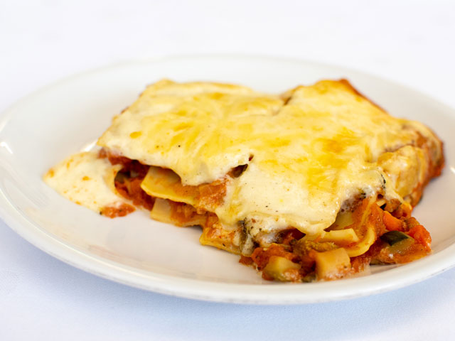 Gemüse- Lasagne mit Salat