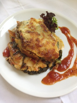 Spinat- Lachs Lasagne mit Salat