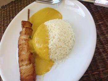 Puten-Curry mit Basmatireis und Salat