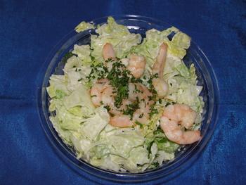 Eisbergsalat mit Shrimps