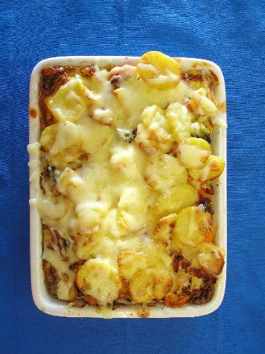 Kartoffelauflauf mit Schinken und Gemüse