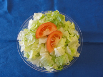 Eisbergsalat mit Speckdressing