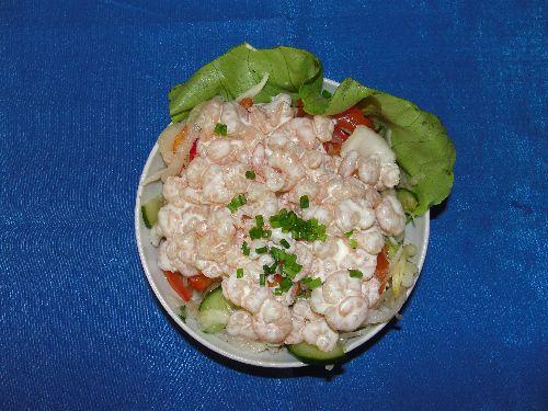 Bunter Rohkostsalat mit Shrimps