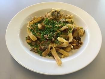 Maultaschen gebraten mit Ei oder in der Brühe und Kartoffelsalat